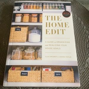 The Home Edit Book - From Netflix Series